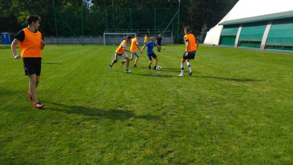 sport w Moraczu, szkoła w sulejówku, edukacja domowa, Szkoła imienia Moraczewskich, Moracz, Klub Sportowy Zakręt