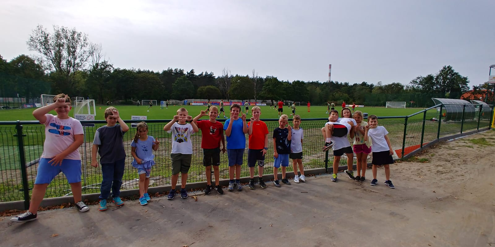 sport w szkole w Rembertowie, szkoła moraczewskich w Rembertowie, szkoła w Rembertowie, sport w Rembertowie, zajęcia z piłki nożnej w Rembertowie, piłka nożna z Legią Warszawa